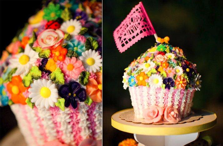 Unique-wedding-reception-ideas-beyond-wedding-cake-1colorful-cupcake-tree.full