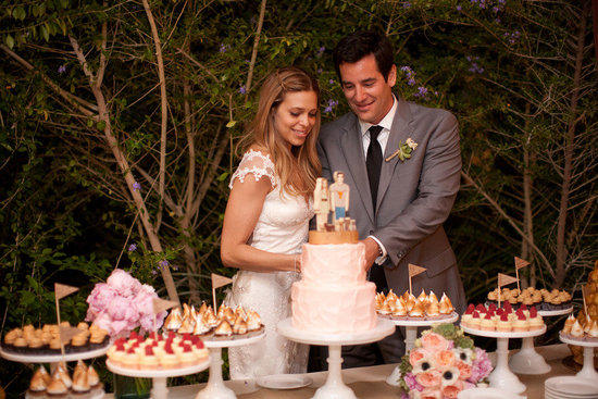 unique wedding reception ideas beyond wedding cake 4