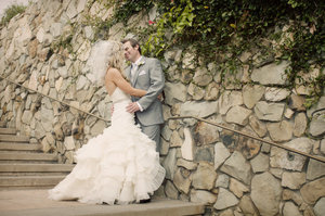 photo of Bride groom kiss outside- 9 wedding dress don'ts every bridal should avoid