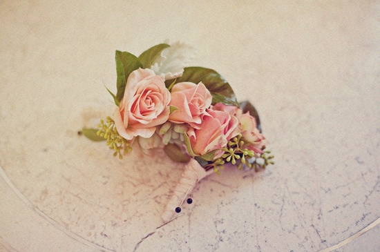 Romantic-grooms-boutonniere-vintage-wedding-inspiration.medium_large