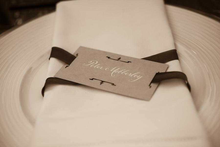 Elegant-wedding-reception-place-setting.full