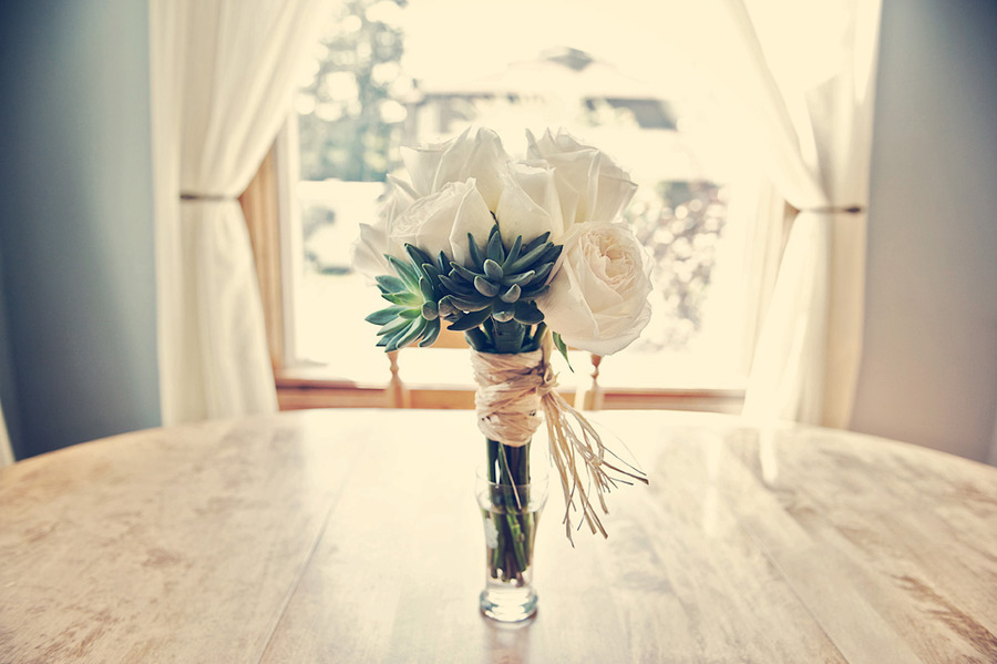 Eco-friendly-wedding-flowers-bridal-bouquet-white-roses-green-succulents.full