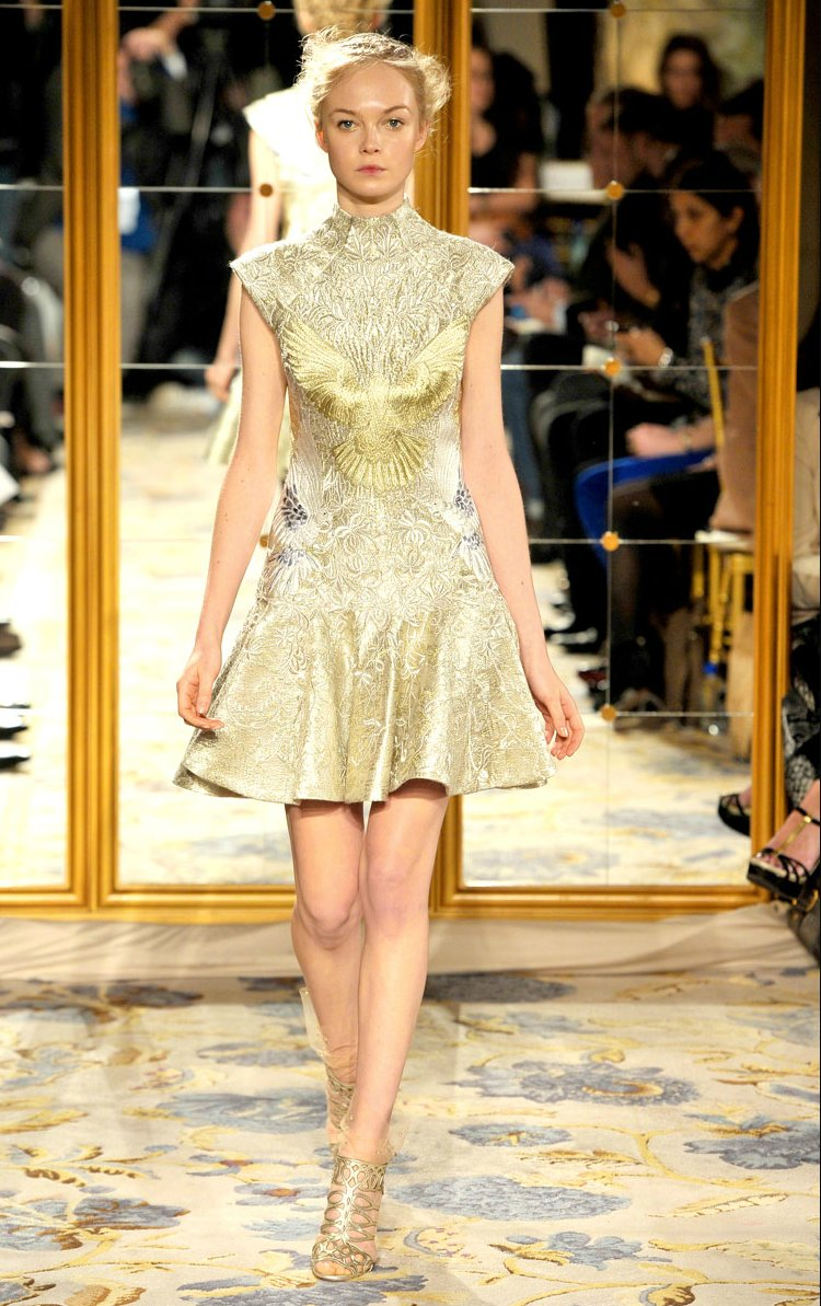Fall-2012-wedding-dress-inspiration-marchesa-rtw-cap-sleeved-little-white-dress-gold-embroidery.full