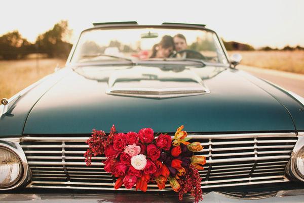 Vintage-wedding-car-corvette.full