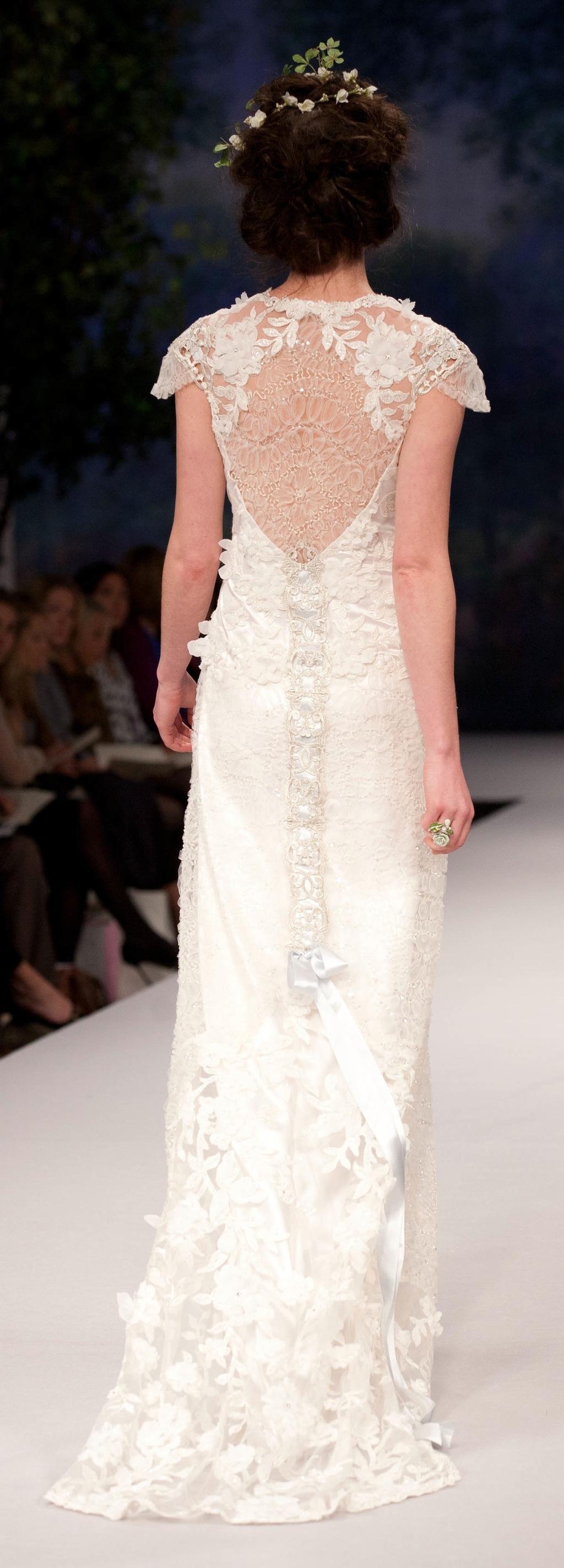 Spring_2012_wedding_dress_claire_pettibone_belle_back.full