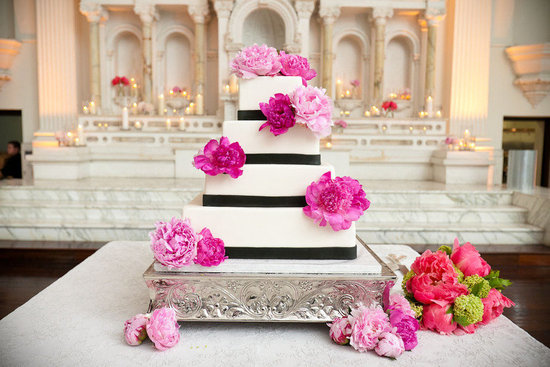 elegant wedding cake hot pink wedding flowers
