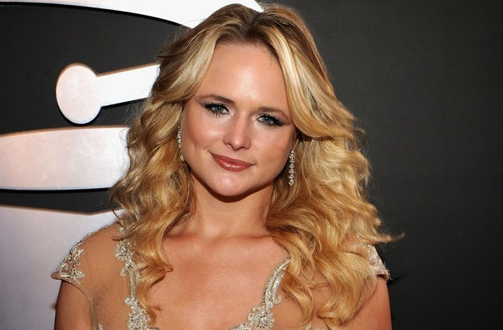 2012-grammys-miranda-lambert-wedding-hair-inspiration-all-down-curls.full