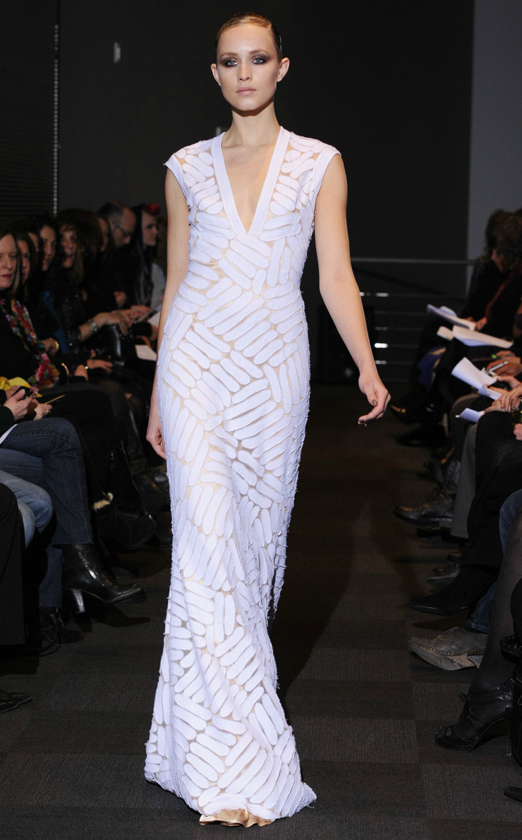 Carmen-marc-valvo-fall-2012-rtw-wedding-dress-mermaid.original