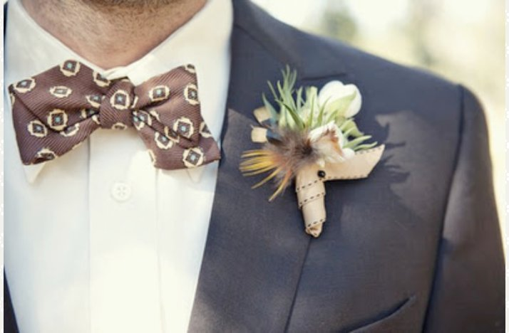 Real-wedding-grooms-attire-bow-tie-outdoorsy.full