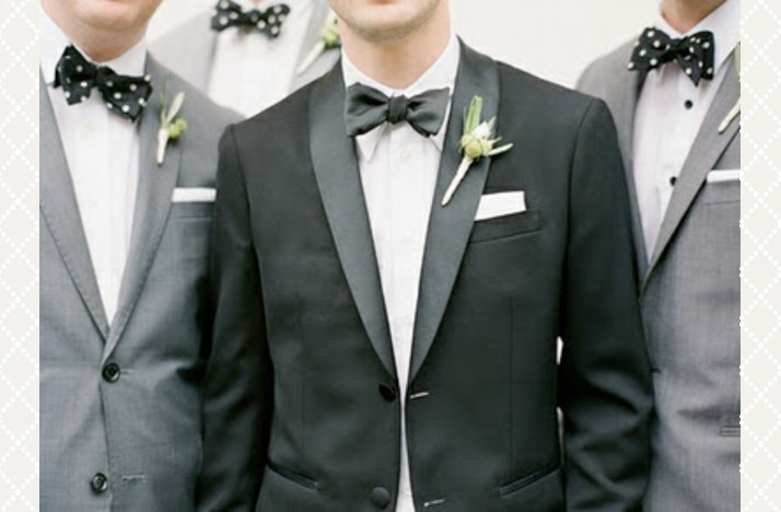 Classic-grooms-style-bow-ties-with-groomsmen.full