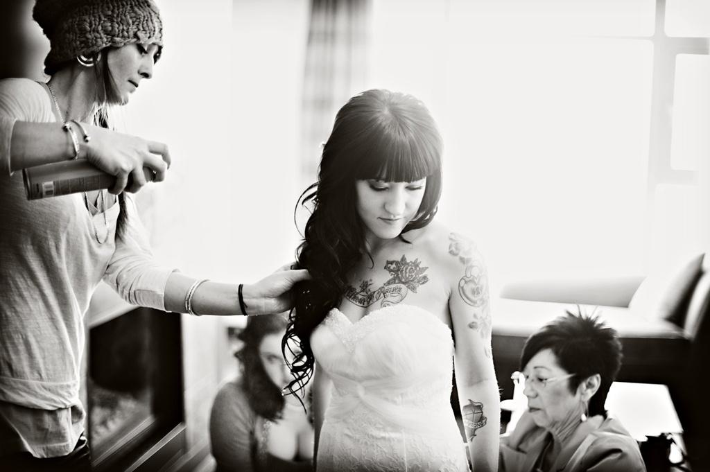 Winter-weddings-edgy-bride-gets-ready-wedding-hair.full