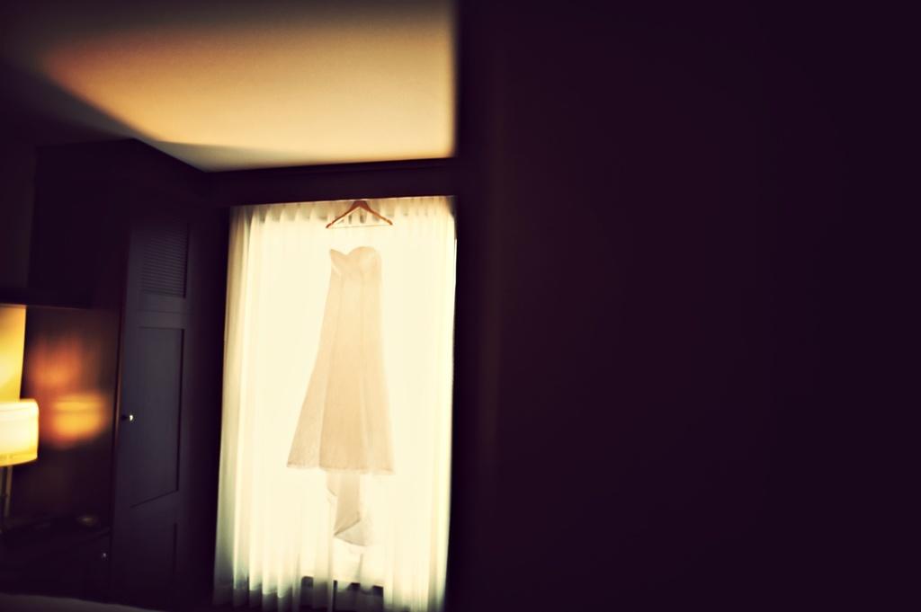 Winter-wedding-offbeat-edgy-bride-white-wedding-dress.full