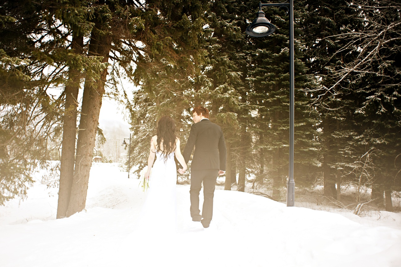 Outdoor Winter Wedding Photography Snowy
