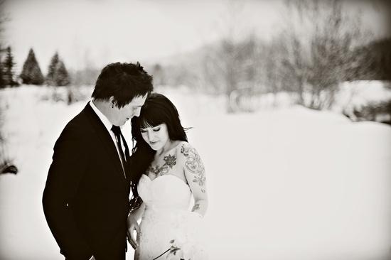 Outdoor Winter Wedding Photography: Outdoor Winter Wedding Photography Tatted Bride Edgy Groom
