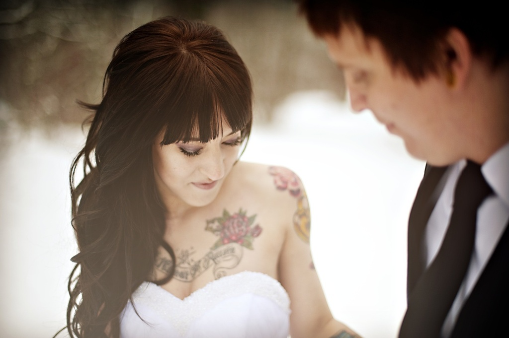 outdoor winter wedding photography tatted bride edgy groom