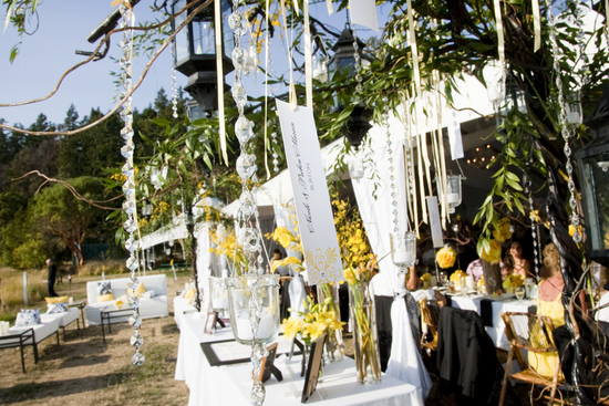 Hanging escort cards for outdoor weddings