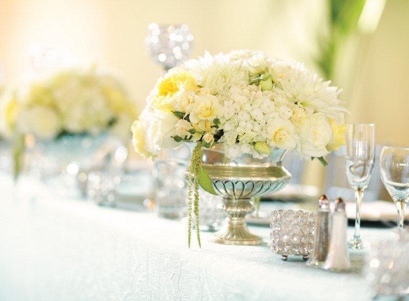 Spring-summer-wedding-white-yellow-wedding-flowers-centerpieces.full