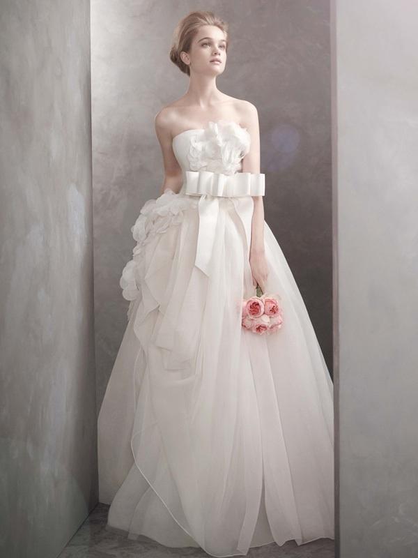 White-by-vera-wang-wedding-dress-2012-bridal-gowns-vw351089.full