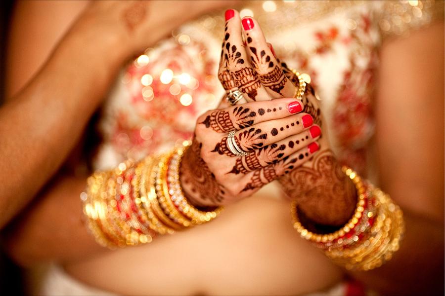 Wedding Night Gift For Indian Groom : multi cultural weddings indian bride henna OneWed.com