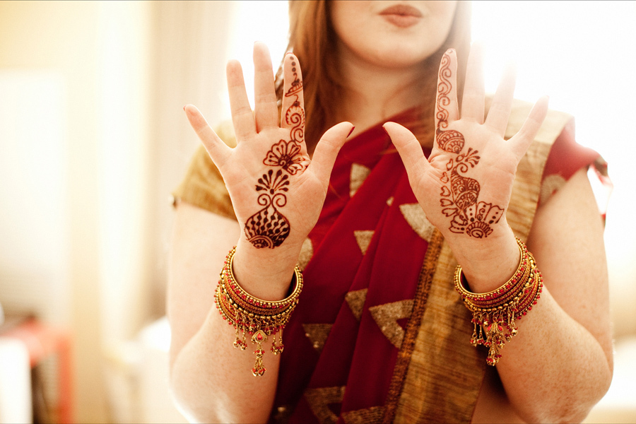 Multi-cultural-weddings-indian-bride-bridesmaid-wears-henna.full