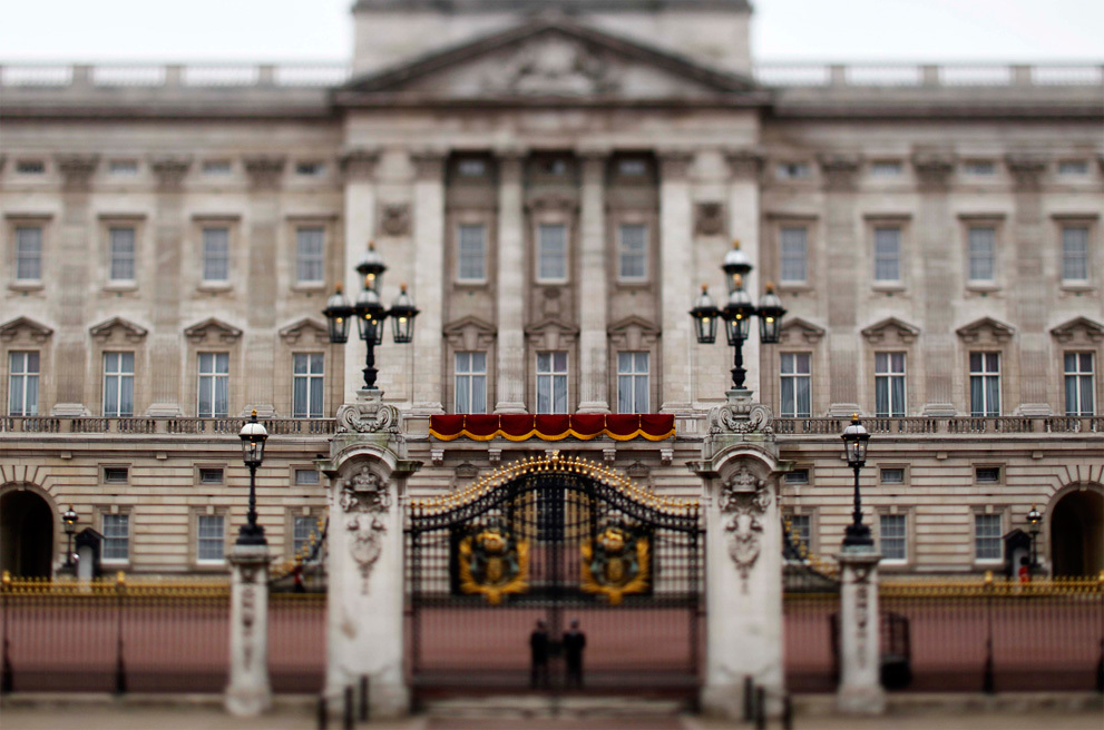 Royal-wedding-up-close-first-kiss-venue.full