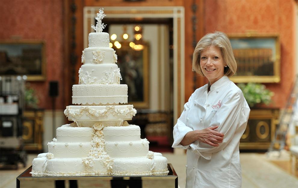 Royal-wedding-up-close-royal-wedding-cake-traditional.full