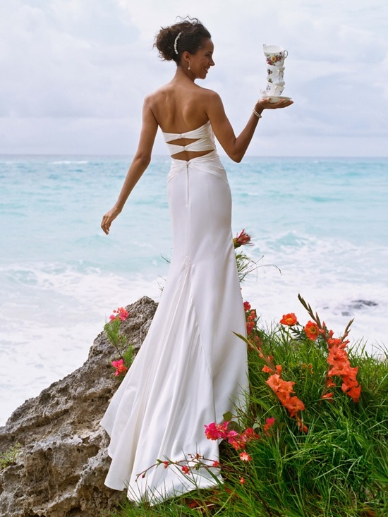 Casual flowy wedding dresses perfect for a beach wedding for Davids bridal beach wedding dresses