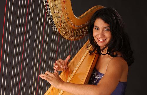 photo of Boston Harpist Dr. Lizary Rodriguez