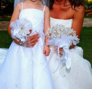 Bride-flowergirl-bouquet.original.full