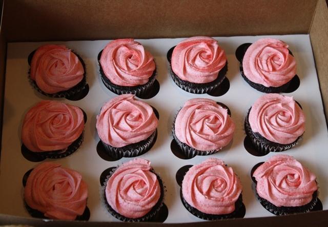 Cupcake-novelties-cupcakes-pink-roses.original.full