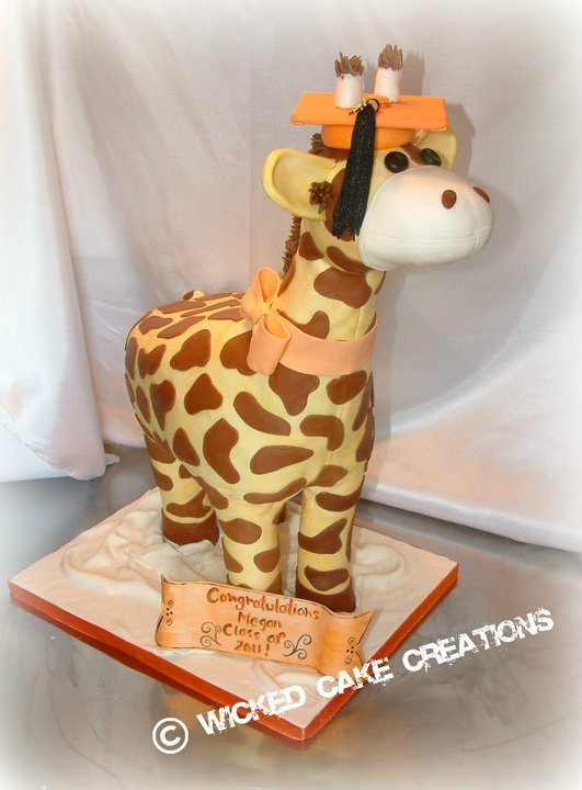 Graduation%20giraffe%20(1).full