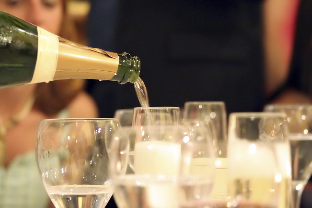 Champagne_pour.full