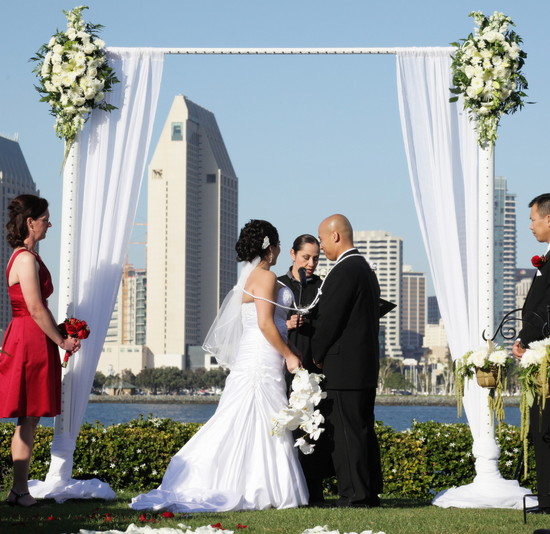 Wedding Arch & Chuppah Rentals by Arc de Belle