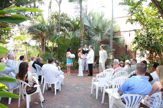 photo of Peter Estenoz Photography, Inc./EZ Weddings In Paradise