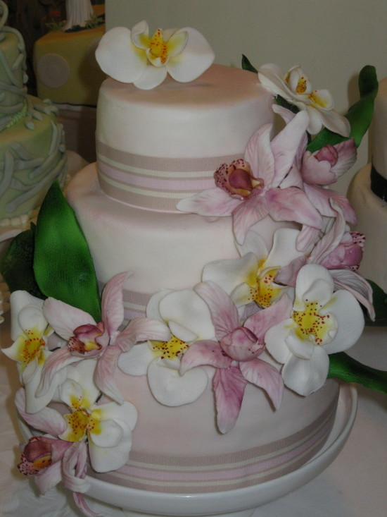 SweetTooth Cakes and Sugar Flowers