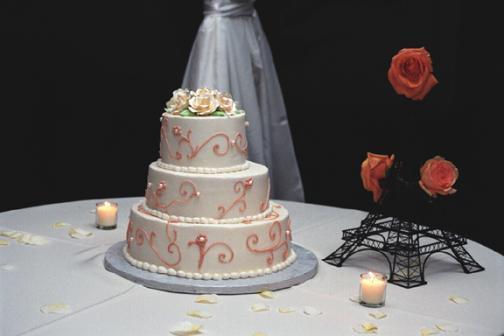 Cake20on20table1.full