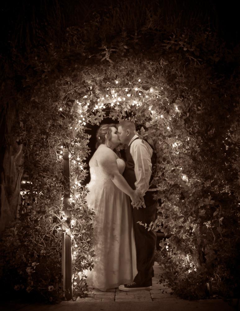 Lyndsei_casey_wedding_preview_portrait_01.original.full