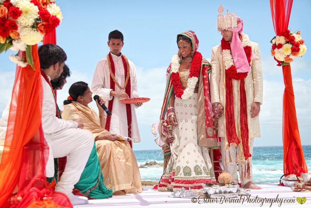 Cabo-wedding-photographer-04.original.full