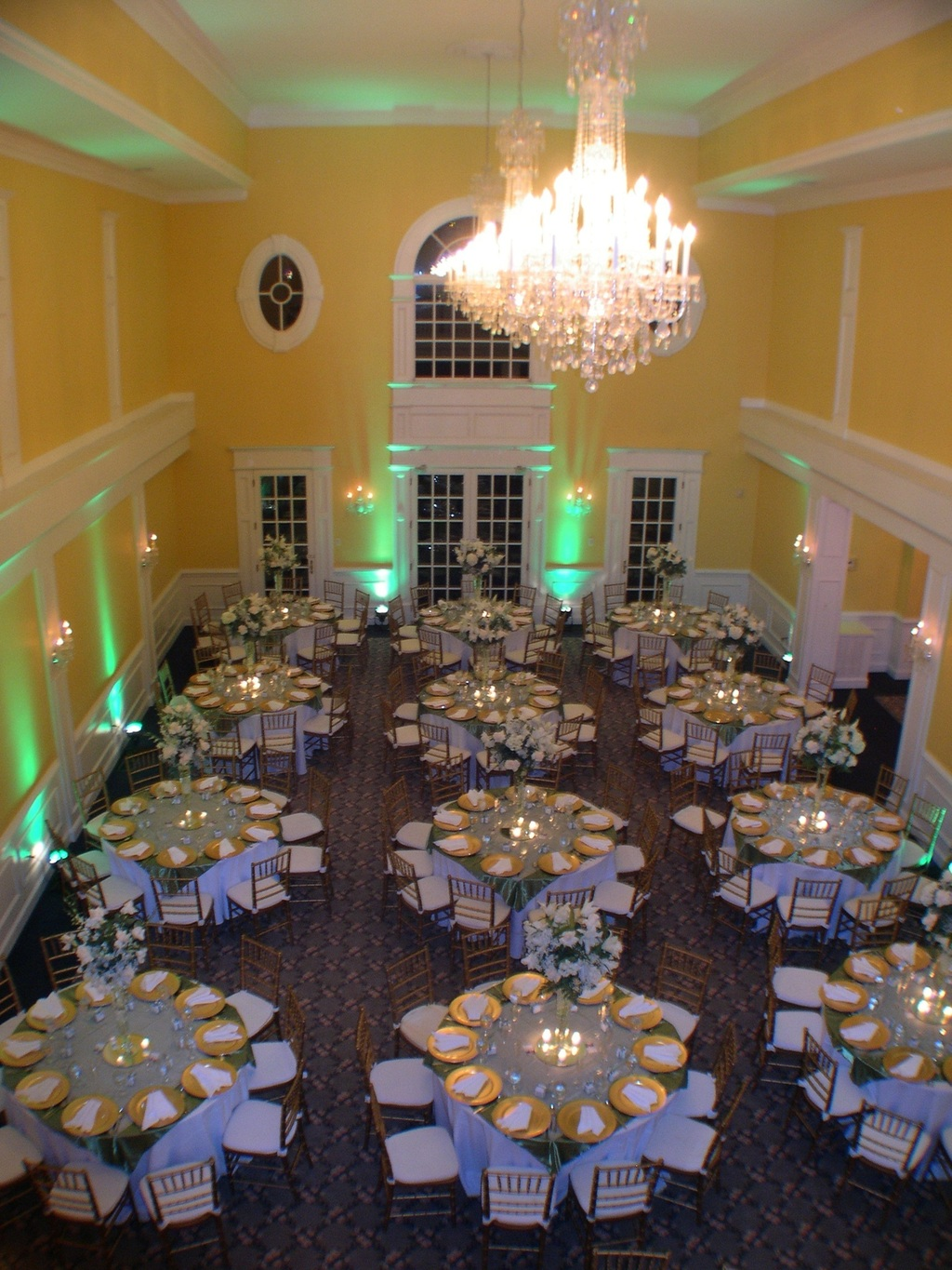 Ballroom%20with%20chandeliers.full