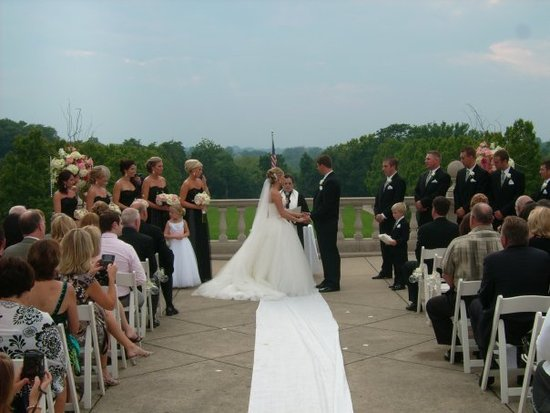 A Cincinnati Wedding.com