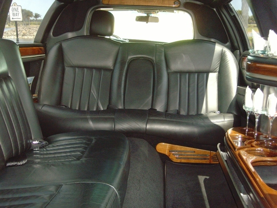 Limo Lely pic 3 interior