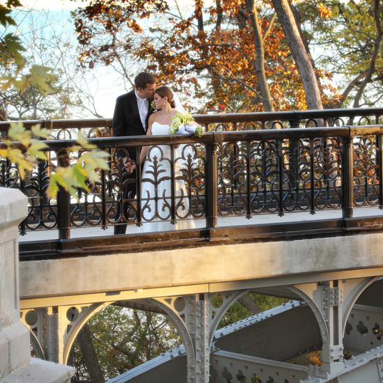 couple on bridge low_res