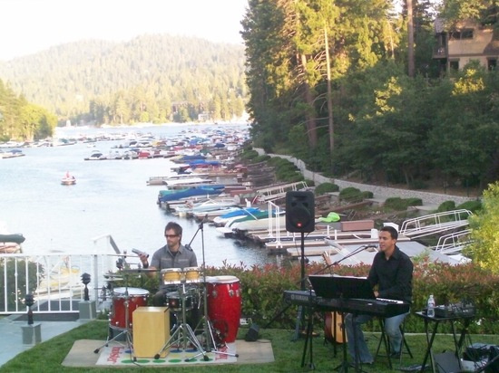 private-event-on-the-lake-in-arrowhead