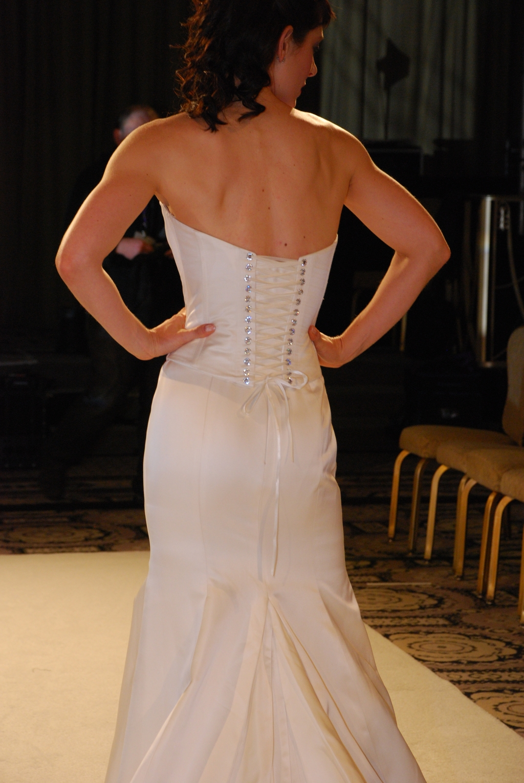 Pixton-spring-2010-wedding-dresses-jessica-strapless-corset-top-rhinestone-eyelits-closeup-back.full