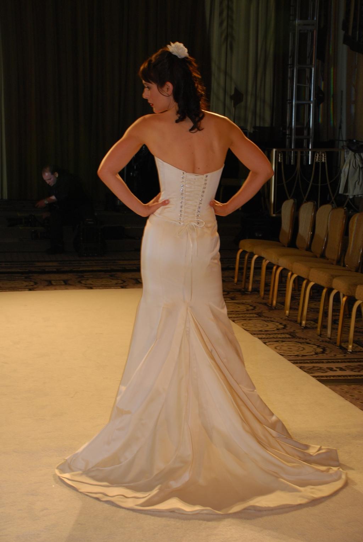 Pixton-spring-2010-wedding-dresses-jessica-strapless-corset-top-rhinestone-eyelits.full