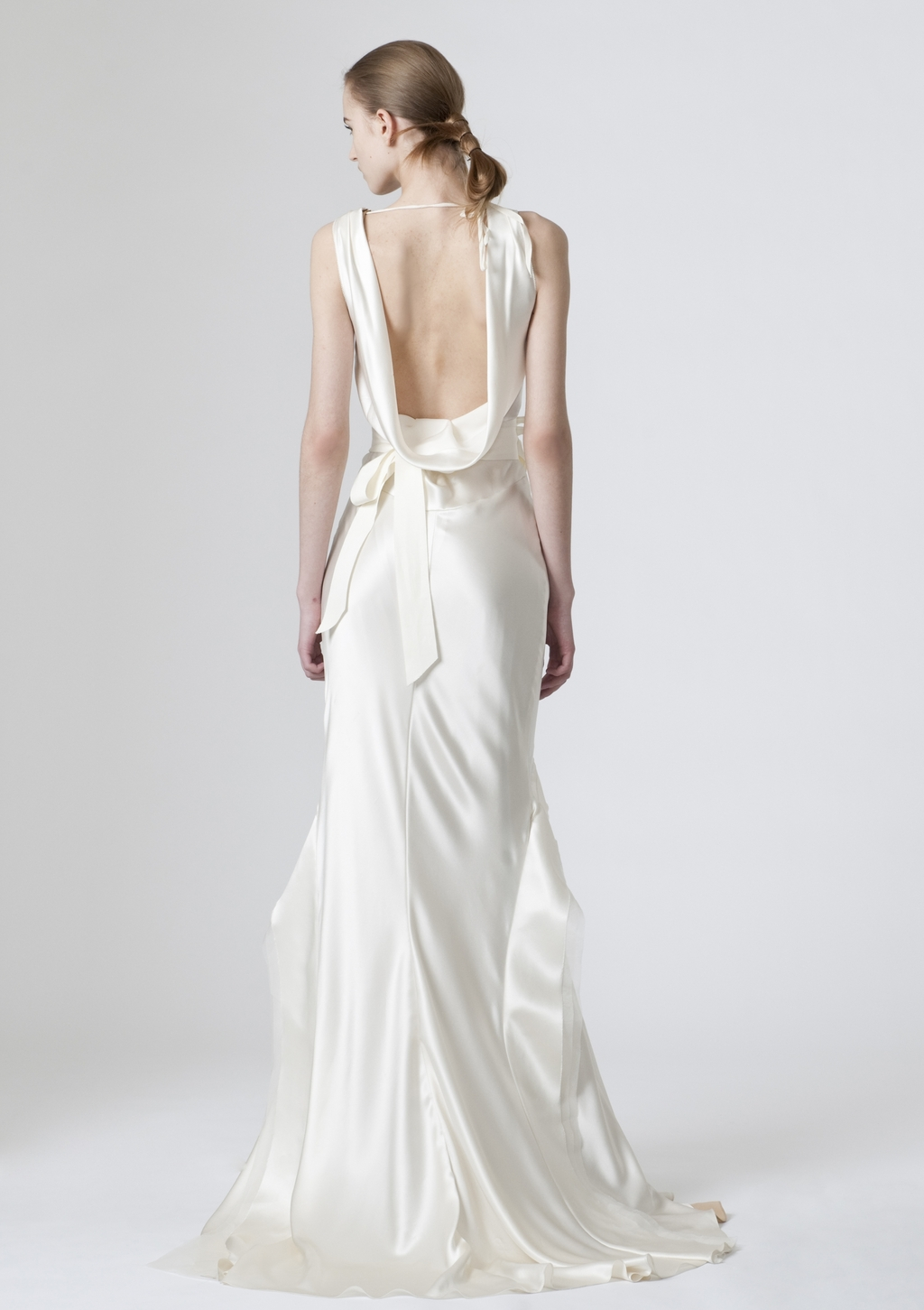 Vera-wang-wedding-dresses-spring-2010-3-back.full