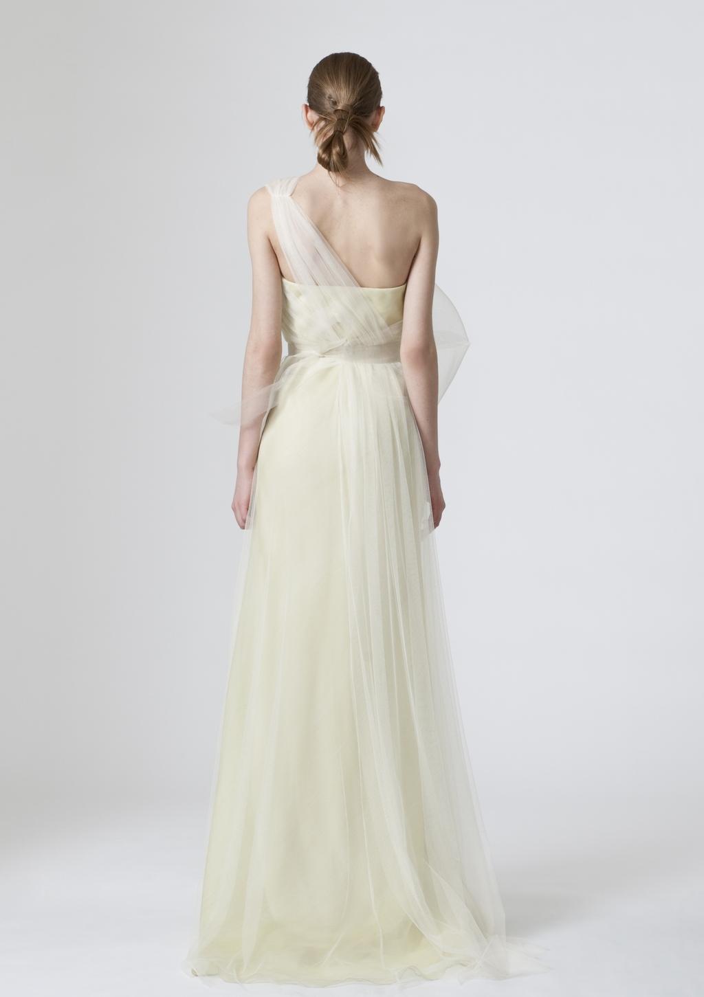 Vera-wang-wedding-dresses-spring-2010-4-back.full