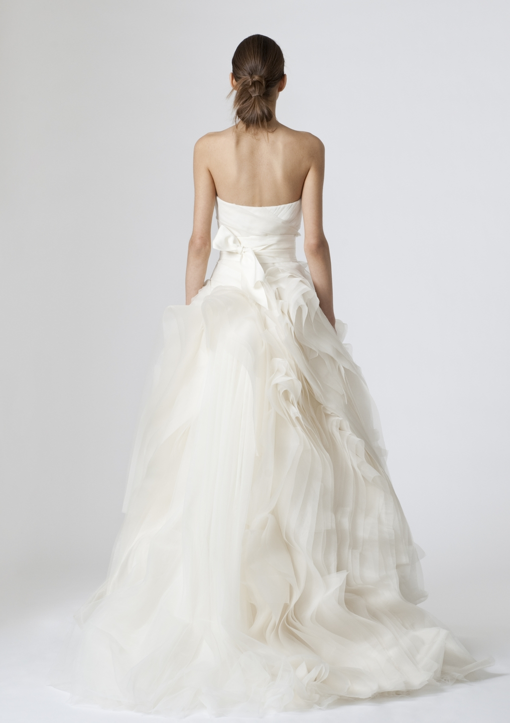 Vera-wang-wedding-dresses-spring-2010-12-back.full