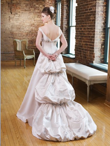 photo of 1231000 Dress