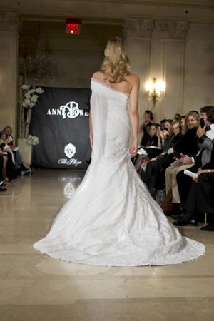 Anne-bowen-wedding-dresses-entwine-back.full